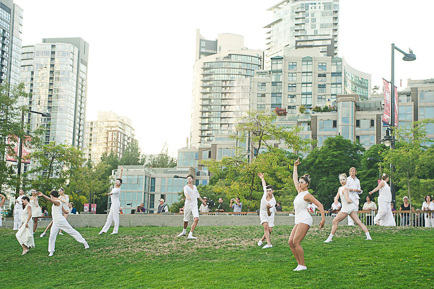 Diner En Blanc, David Lam Park, Arts Umbrella Performers, Daniella Guzzo Photography