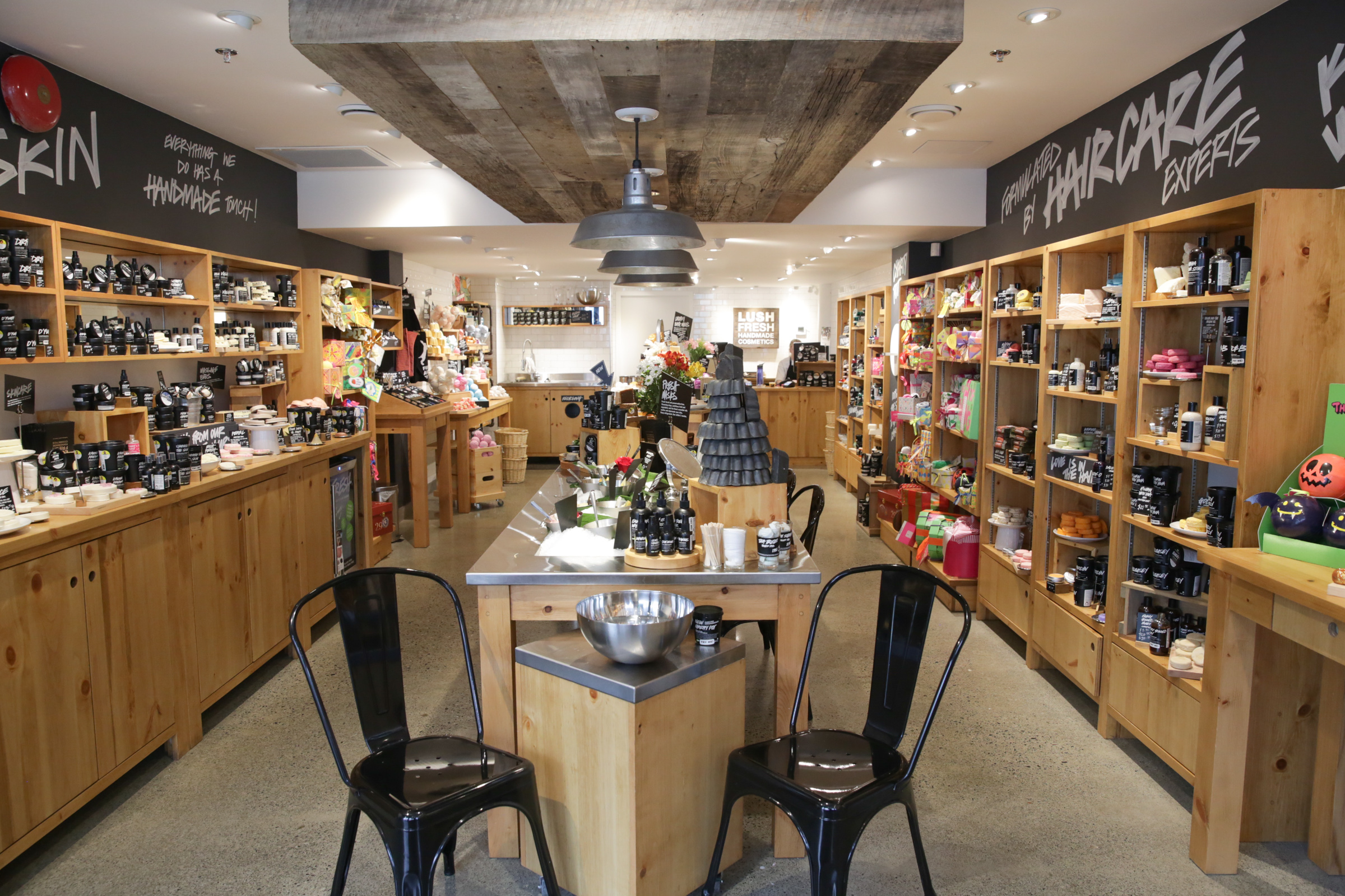 cosmetics and lush company Lush was founded in 1994 by mark constantine as an organic cosmetics and skin care company lush is headquartered in poole, england the company.