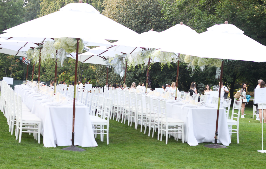 Dine en Blanc, Lele Chan Design, Debute Events, Flower Factory, VanDusen Garden, A&B Party Rentals, Cake and Giraffe, La Glace Ice Cream, Egg Roller, Nadia Albano